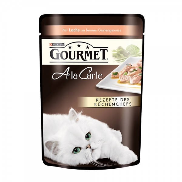 Gourmet A la carte mit Lachs an feinem Gartengemüse